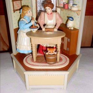 VTG Enesco music box motion Mom & Girl Kitchen